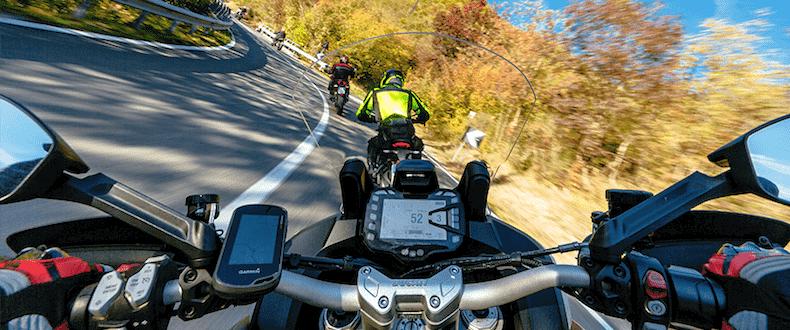 Podróż motocyklem w upale. O czym trzeba wiedzieć?